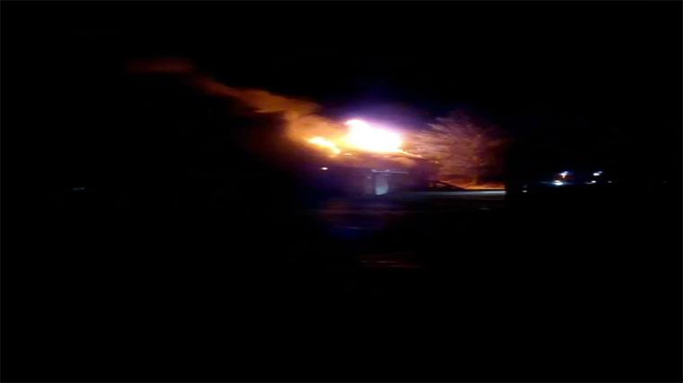 В Тайшете горит магазин «Светофор»