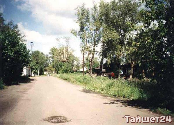 Улица Северо–Вокзальная. Также одна из первых улиц, застроенная многоквартирными домами и казармами.