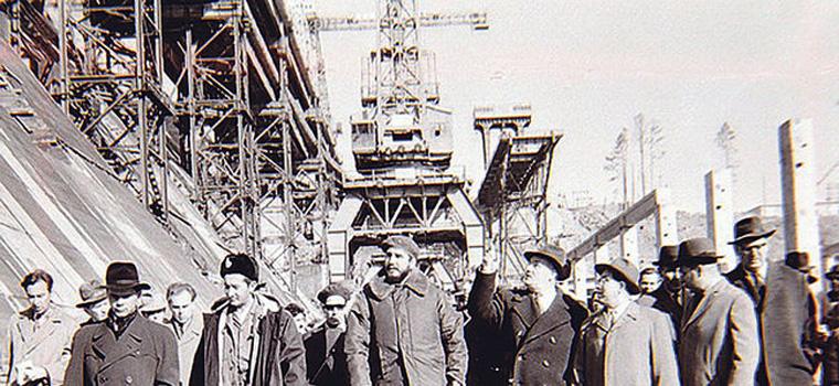 Через год после визита Хрущёва на Братской ГЭС побывал Фидель Кастро. Ему сибиряки оказали самый радушный прием. Фото: energymuseum.ru