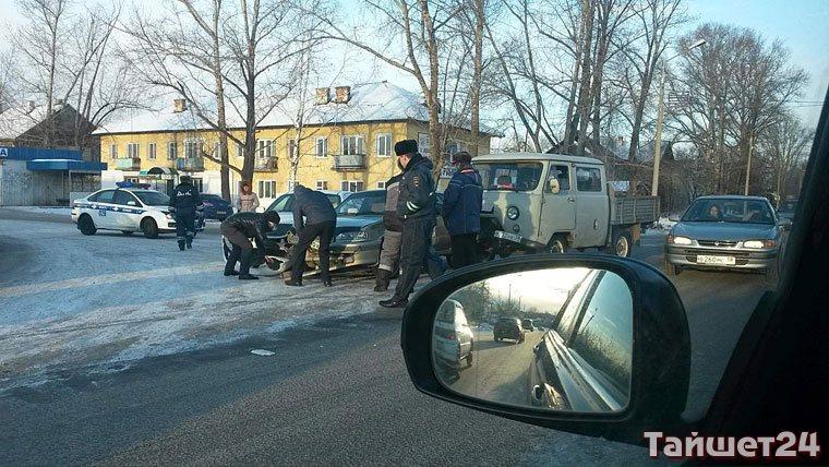 Фотофакт. Столкнулись три машины