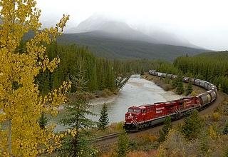 Самый длинный поезд ВСЖД в новогодние праздники будет состоять из 24 вагонов