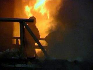 По ул. Красноармейская в Тайшете подгорел дом