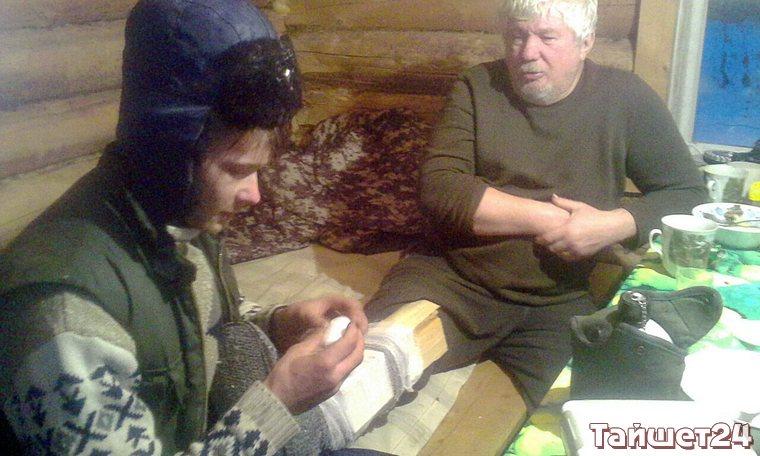 Тайшетские спасатели двое суток вызволяли из тайги повредившего ногу охотника