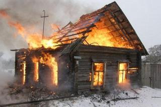 В Тайшетском районе школьники вынесли из горящего дома двух маленьких детей