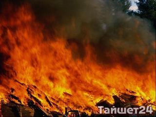 В Шиткино пожарные спасли от огня дом, но не спасли веранду