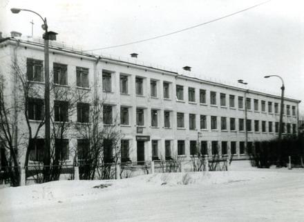 Школа №85 города Тайшета — позади 80 лет