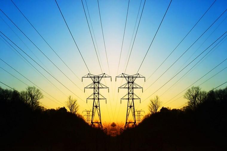 Шквальный ветер оставил без электричества шесть деревень в Тайшетском районе