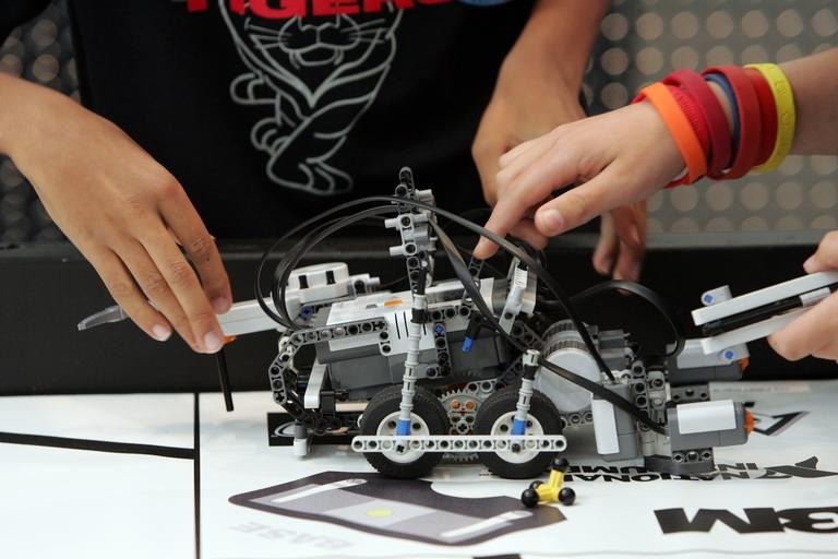Школа посёлка Черчет выиграла комплект дорогостоящей робототехники