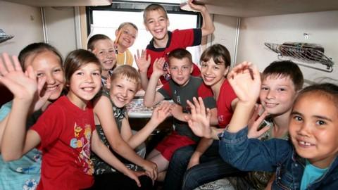 Всё лето дети смогут ездить по железной дороге с 50-процентной скидкой