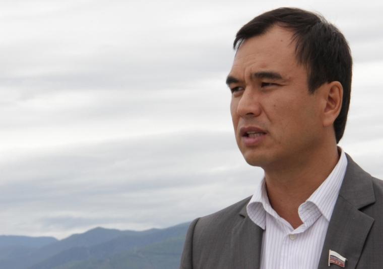 Взяточников лишать имущества предлагает депутат Госдумы Сергей Тен