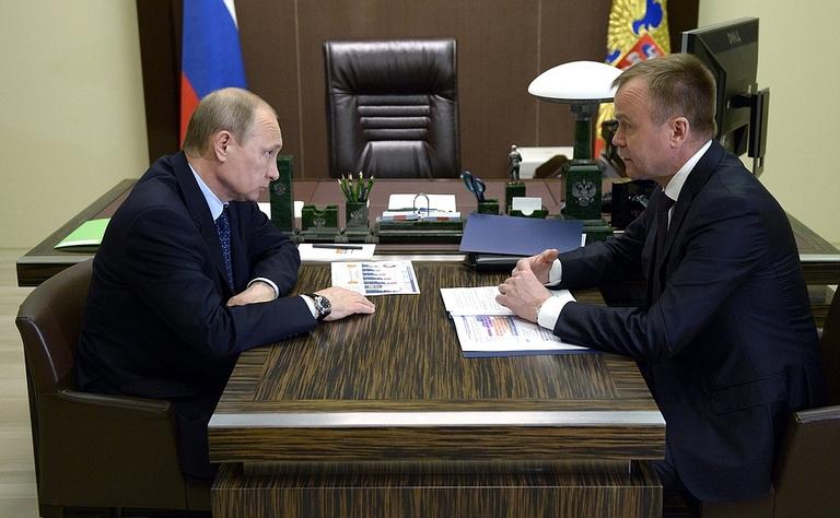 Год назад Владимир Путин отправил в отставку иркутского губернатора Сергея Ерощенко