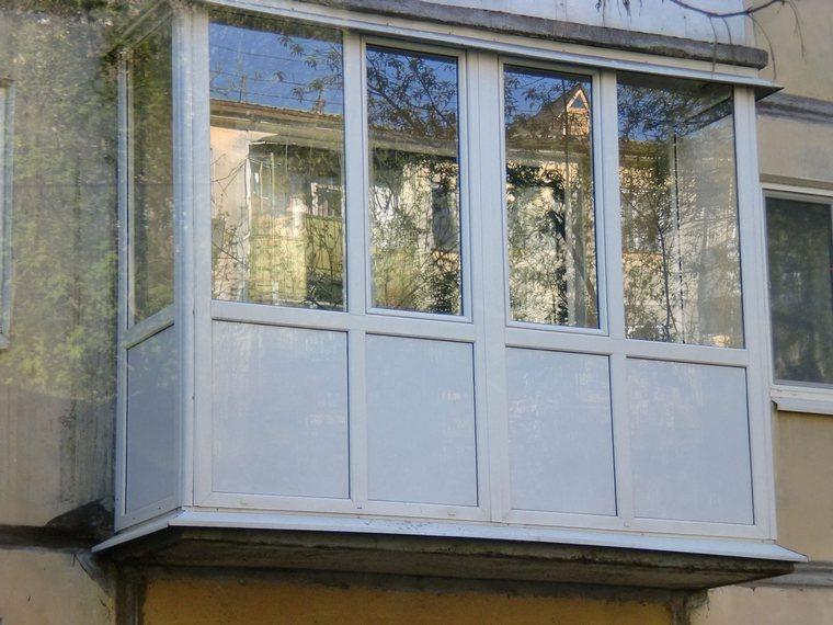 Закон парных случаев: за выходные в Братске и Усть-Илимске с балконов упали ещё два ребёнка