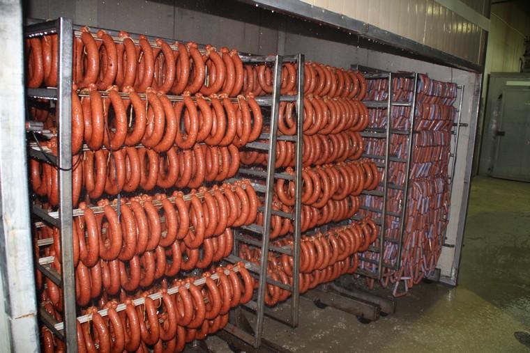 В Красноярске стали производить больше мяса и водки