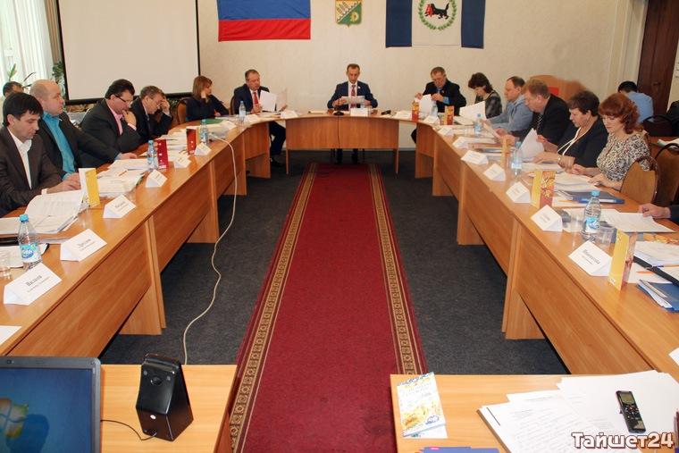 Виктор Шпаков – самый богатый депутат Тайшетской районной Думы, Сергей Епончинцев – самый скромный