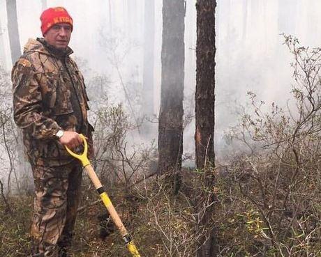 Прибайкальская тайга горит, губернатор Левченко беспомощно разводит руками