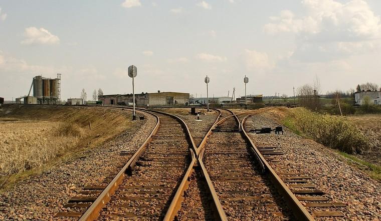 Тайшетская транспортная прокуратура потребовала от руководителей коммерческих организаций устранения нарушений при эксплуатации подъездных железнодорожных путей