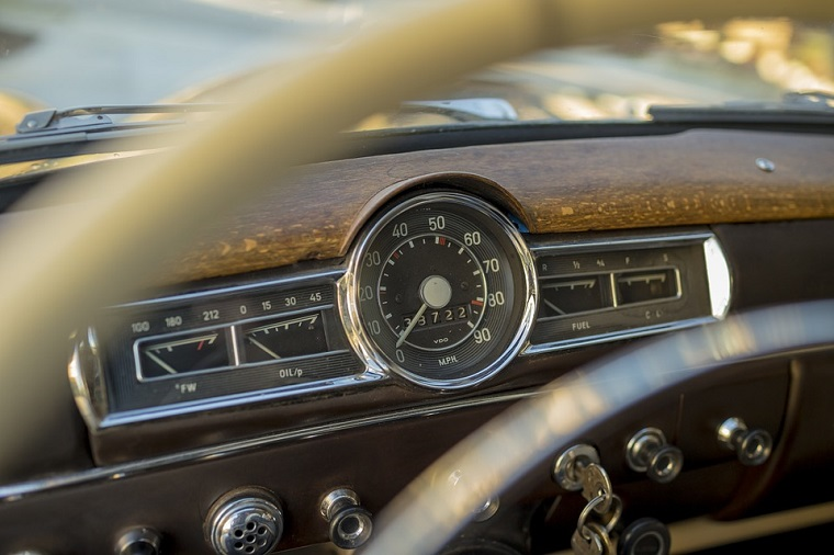 Экзамены на права можно будет сдавать на машине с автоматической КПП
