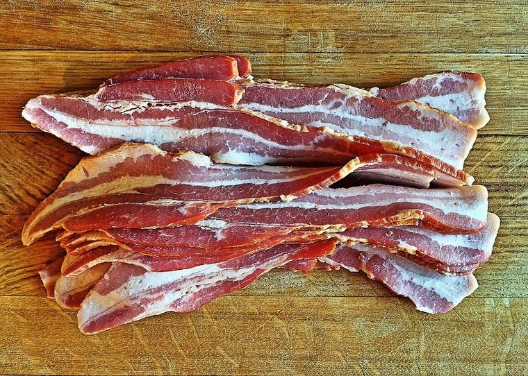 В психоневрологических интернатах Тайшетского района обнаружено 603 килограмма мяса сомнительного качества