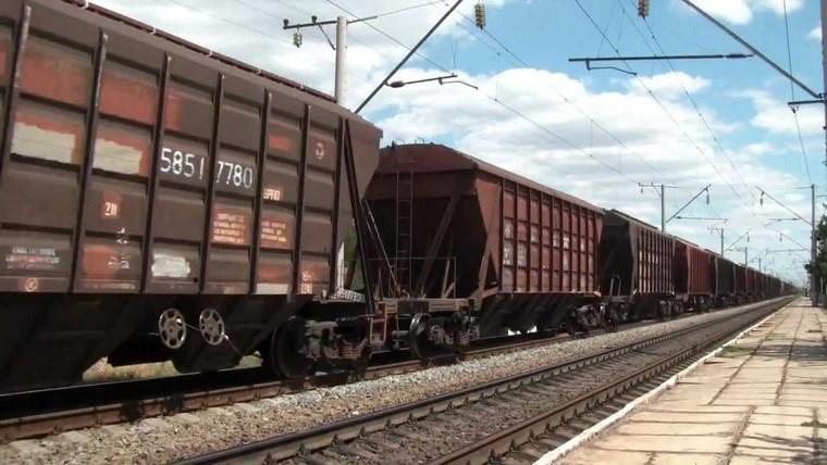 В Тайшете под поездом погибла 58-летняя женщина