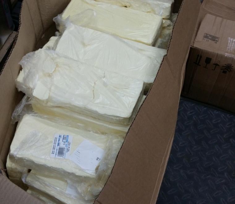 Магазины сети «Светофор» поймали на продаже просрочки и мясного фарша с соей