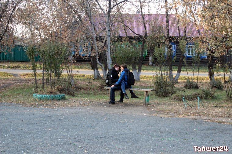 Сквер между лицами Чапаева и Советская.