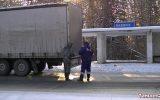 В Тайшетском районе задержали фуру с 10 000 литров контрафактного алкоголя