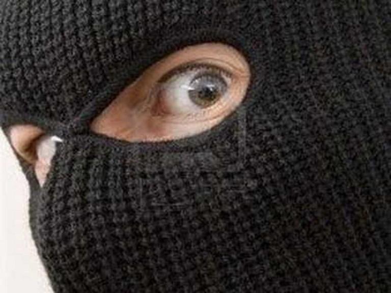 Ученик состоловым ножом пытался ограбить пекарню вБратске