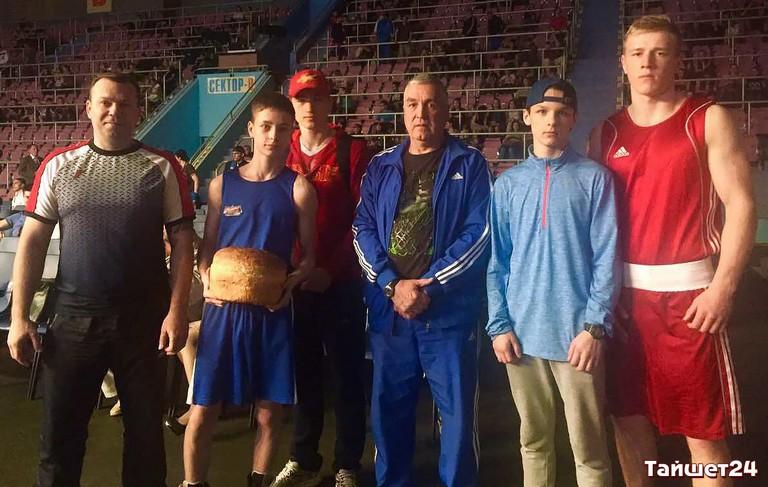 Эмран Хамхоев стал 3-м напервенстве РФ побоксу вОренбурге
