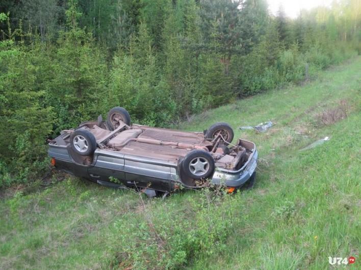 ВИркутской области пьяная автоледи вылетела вкювет иперевернулась