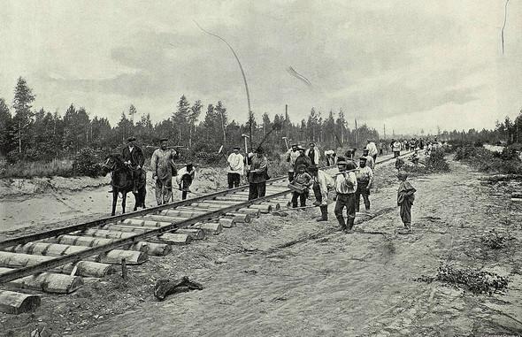 Стройка Транссибирской магистрали из-за которой строительство БАМ было отложено / Фото: Wikimedia Commons