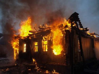 Три человека погибли напожаре в личном доме вНижнеудинском районе