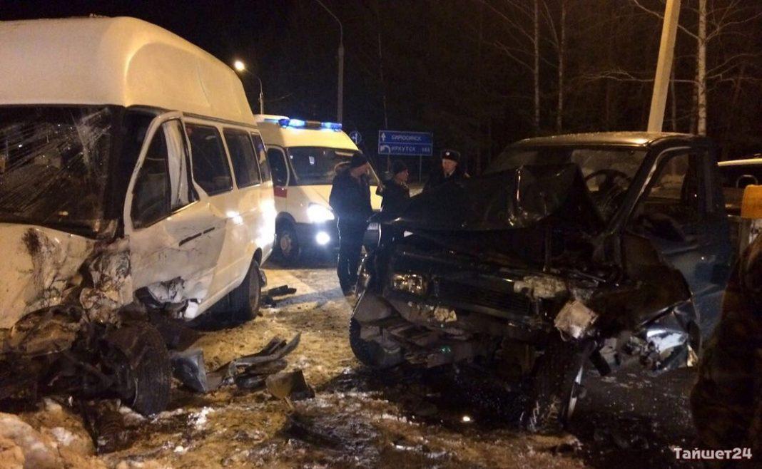 УАЗ протаранил маршрутку спятью пассажирами вТайшетском районе