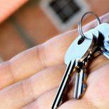 Трое детей-сирот помыкались по съёмным квартирам и получили квартиры в Тайшете