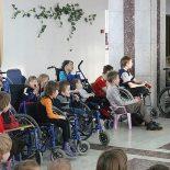 Сироты с инвалидностью будут проживать в детских интернатах до 23 лет