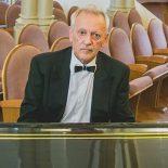 Следователи занялись «Скорой помощью», из-за нерасторопности которой в Иркутске на концерте умер пианист