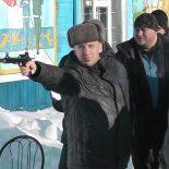 Железнодорожники гоняли на лыжах, стреляли из арбалета и перетягивали канат