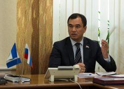 Депутат Госдумы Сергей Тен поздравляет тайшетцев с Днём защитника Отечества