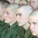 За уклонение от службы в армии грозит штраф до 200 000 рублей или лишение свободы до двух лет