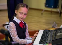 Школа №23 Тайшета получила синтезаторный класс от Фонда имени Юрия Тена