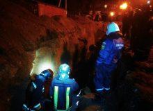 Двое рабочих погибли под завалами при обрушении траншеи в Иркутске