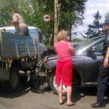 Фотофакт. В Тайшете столкнулись «Лексус» и УАЗ