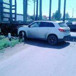 Внедорожник столкнулся с грузовым поездом в Иркутской области