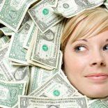 Сотрудница красноярского банка оформляла кредиты на выдуманных клиентов