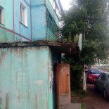 Жилнадзор Иркутской области взялся за козырёк над подъездом в Тайшете