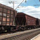 Грузовой поезд насмерть сбил женщину в Ангарском районе