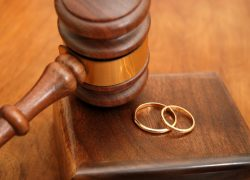 Консультация юриста. Если муж без согласия жены продал общую квартиру